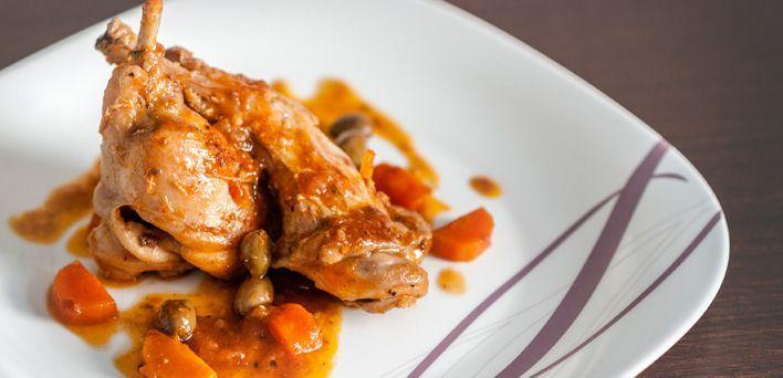 Coniglio alla cacciatora. Per leggere la ricetta: http://myhome.bormioliroccocasa.it/myhome/it/home/spazio-alle-idee/idee-chef/coniglio.html