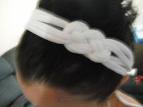 Designs & Decor on a Dime: DIY: Knotted Headband