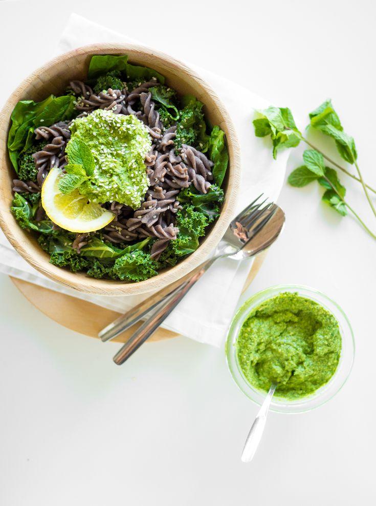 Vegan kale mint pesto