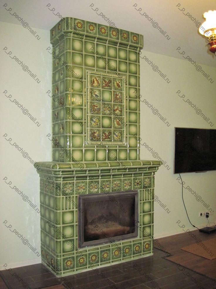 Каминная топка в изразцовой облицовке / Fireplace insert in tile lining