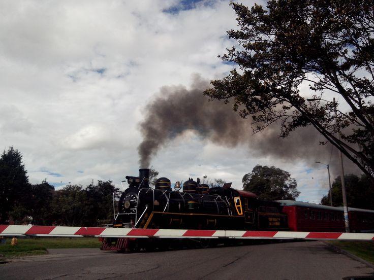 Ferrocarril a la salida del Simón Bolivar