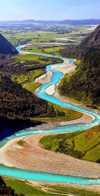 La isla del sur Nueva Zelandahttp://www.chateaudetermes.com/top-travel-trends-2017/   #cheaphoteldeals #bookcheaphotels