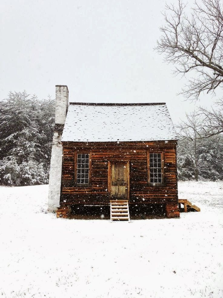 #cozy cabin in the snow ❄️