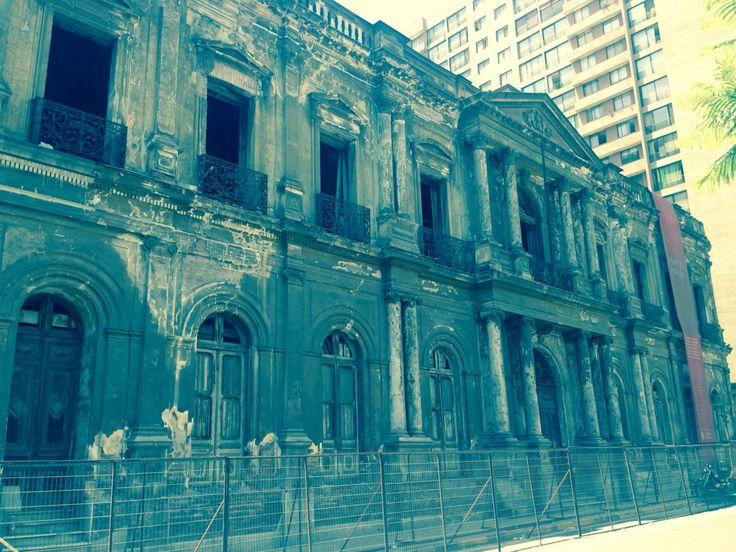 #PalacioPereira  Una maravilla histórica golpeada por el abandono. #Santiago