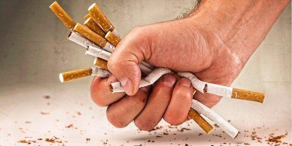 ВЦИОМ: Порядка 20% россиян выкуривают пачку сигарет в день http://actualnews.org/exclusive/175523-vciom-poryadka-20-rossiyan-vykurivayut-pachku-sigaret-v-den.html  Каждый пятый житель России, что составляет порядка 20% от населения, ежедневно выкуривает пачку сигарет. Такое заключение сделали специалисты ВЦИОМ после организованного масштабного опроса среди граждан.