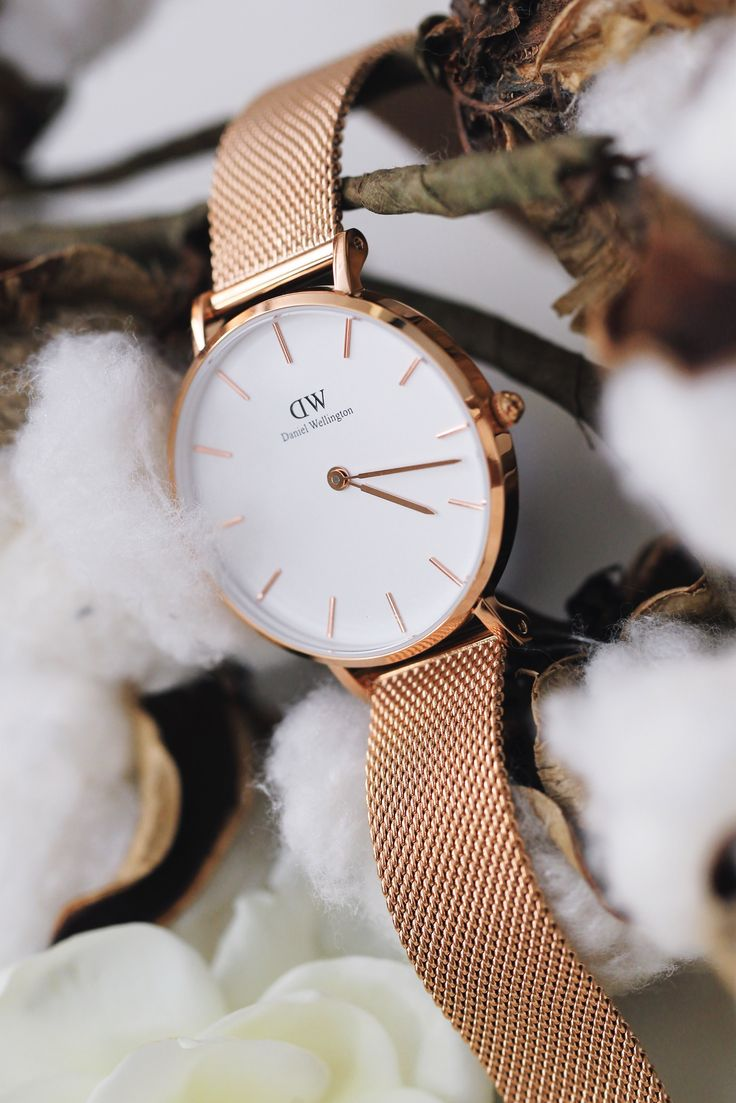 Daniel Wellington Classic Petite - Shop at Stylizio for luxury designer handbags, leather purses and wallets. Women's and Men's watches, jewelry, sunglasses and other accessories. Fine gold and 925 sterling silver rings, necklaces, earrings. Gift ideas for women and men!
