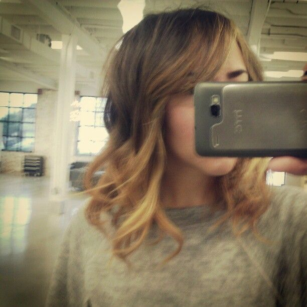 relaxed ombre wave bob. wish my hair would do this. alas, it does not :(