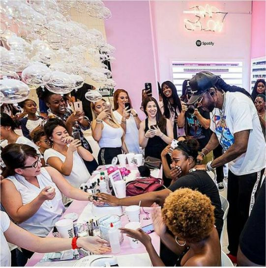 Rapper 2 Chainz who recently released his new album titled Pretty Girls Like Trap Music opened a nail salon for pretty girls who like trap music on Sunday, named Trap Salon in partnership with music stream site Spotify. According to The Source, this strategic partnership took place at the Sugarcoat Nail & Beauty Barin, Atlanta, Georgia. The salon #marketing #creativity …