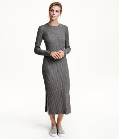 Fitted, calf-length dress in rib-knit jersey made from a cotton blend.  Long sleeves. Medium