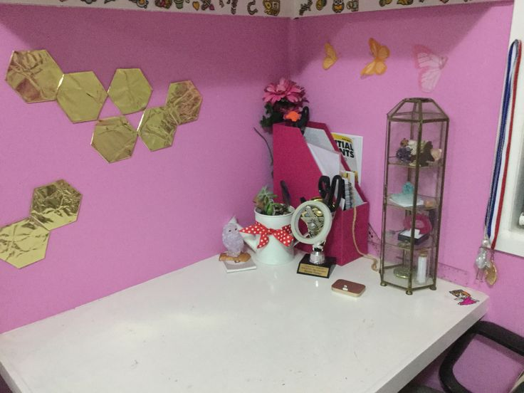 DIY gold hexagons using stiff paper and gold cellophane- my room