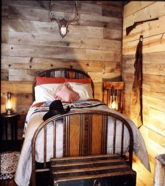 1258 best images about western decor on pinterest for Hunting cabin bedroom