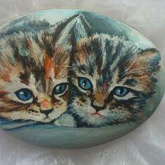 #росписьнакамнях #росписьгальки #сувенирныекамни #миниатюрнаяроспись #котята #handmade #murkotiki #kitten #pebblesart #paitedstones #paintedrocks #арткамни_ГаЛизО Эти очаровательные котята уже нашли своих хозяев!