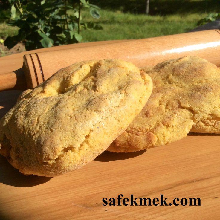 Tam Mısır Ekmeği ( Mısır Tanesinin %100'ü kullanılmıştır) Görüntü ve sertlik gidermek için içine herhangi bir katkı eklenmemiştir.