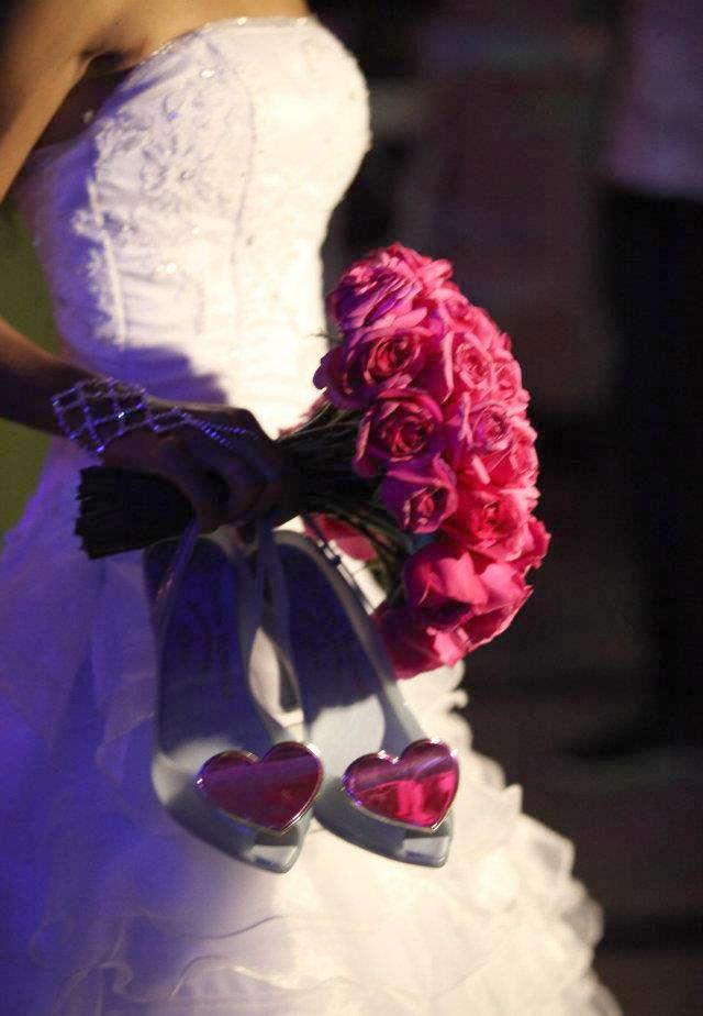 Amanda Barros linda em seu casamento! #melissabrides