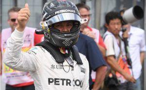 Нико Росберг выиграл пятую квалификацию в сезоне http://mnogomerie.ru/2016/10/27/niko-rosberg-vyigral-piatyu-kvalifikaciu-v-sezone-2/  Немец Нико Росберг победил в квалификации домашнего Гран-при Германии. Для пилота Mercedes этот поул пятым в сезоне и 27-м за карьеру В квалификации Гран-при Германии Росберг на 107 тысячных секунды опередил своего партнера по команде трехкратного действующего чемпиона мира британца Льюиса Хэмилтона, лидирующего в общем зачете в нынешнем сезоне. Со второй…