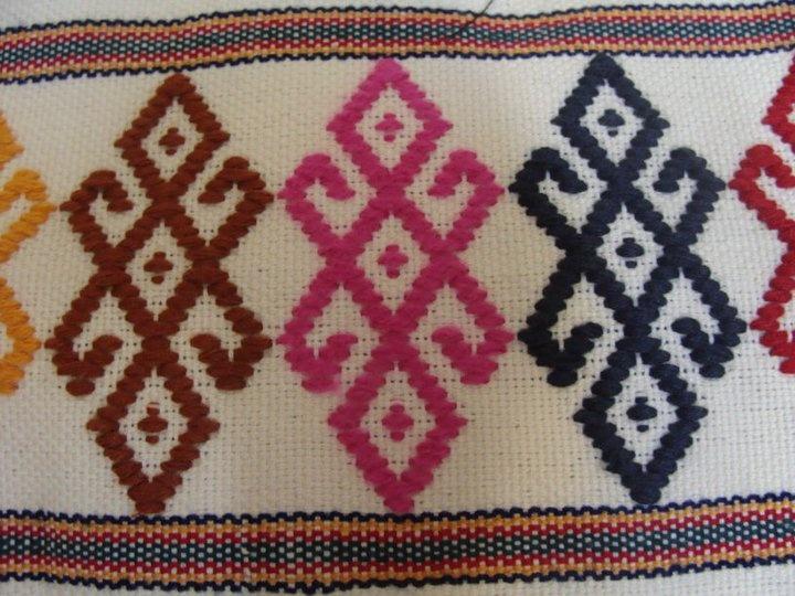 Four hooks design in Fytiotika weaving from cyprus
