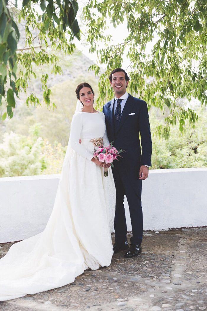 http://www.queridavalentina.com/BLOG/2015/02/la-boda-de-paula-y-victor/