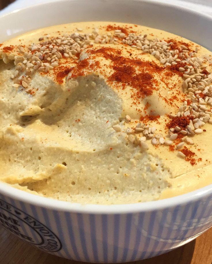 Para hacer un hummus con textura mousse, super cremoso hasta el punto de chuparse los dedos... tienes que probarlo con harina de garbanzo! ¿a qué esperas?