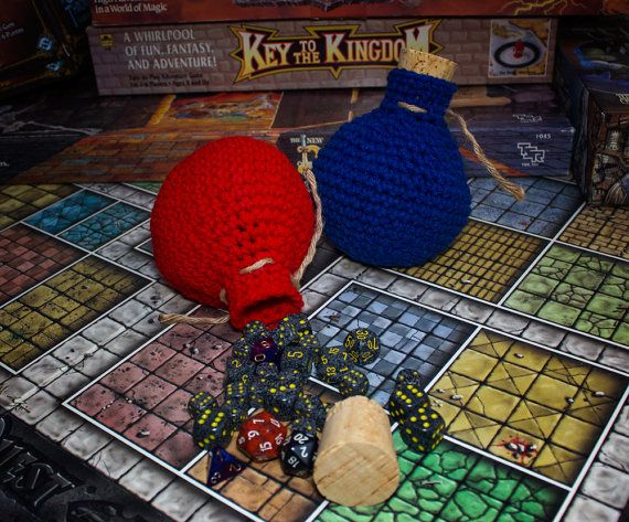 Crochet health and mana potion shaped dice bags. #dicebag #magic #potion #crochet #geek #nerd #mtg #dungeonsanddragons
