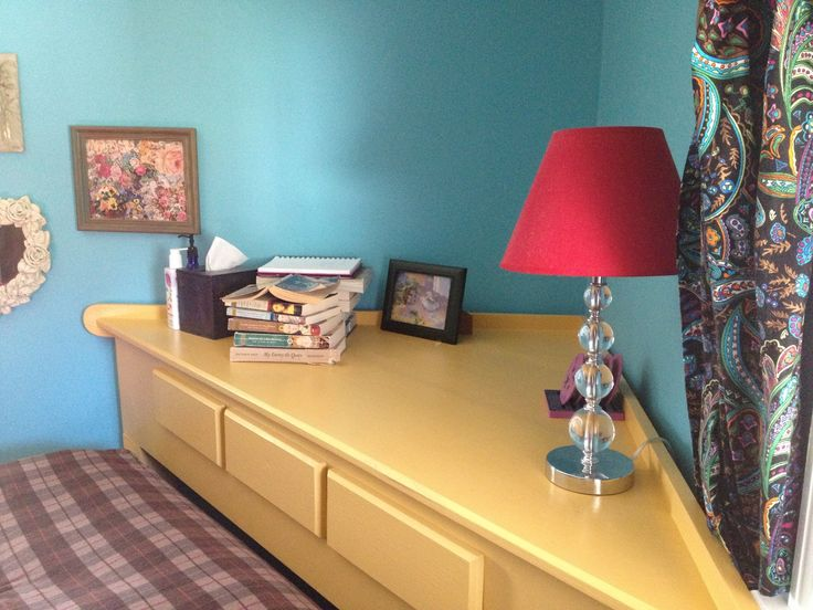8 best corner bed ideas images on pinterest bedrooms for Corner bed headboard ideas
