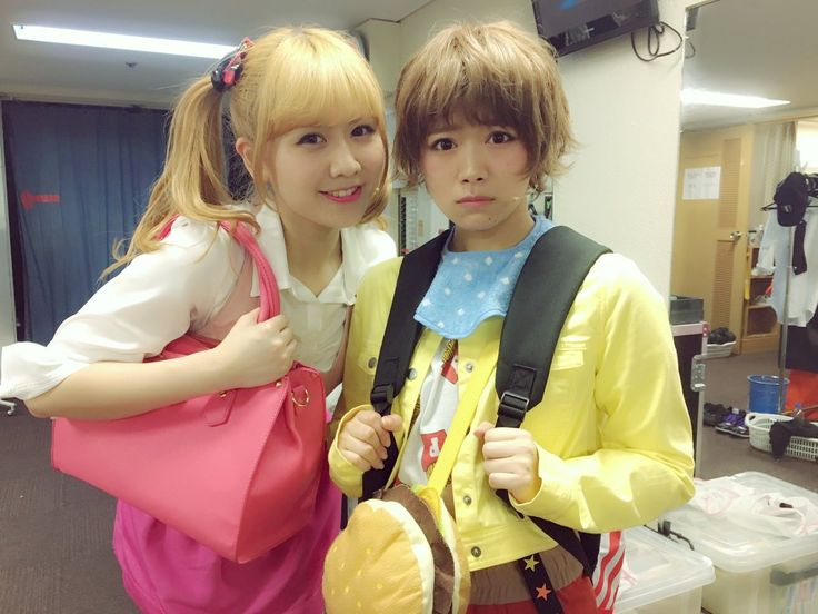 大阪でのSKE個別握手会でした。 初めて来てくださる方がいつもより多くて、理由をきいたら岡部さんのおかげだった…岡部さんありがとう…感動 この写真が一番のお気に入り◎ 来年もすー岡部に会いたいですか? #AKB49 https://twitter.com/sumire_princess/status/731467982178672640