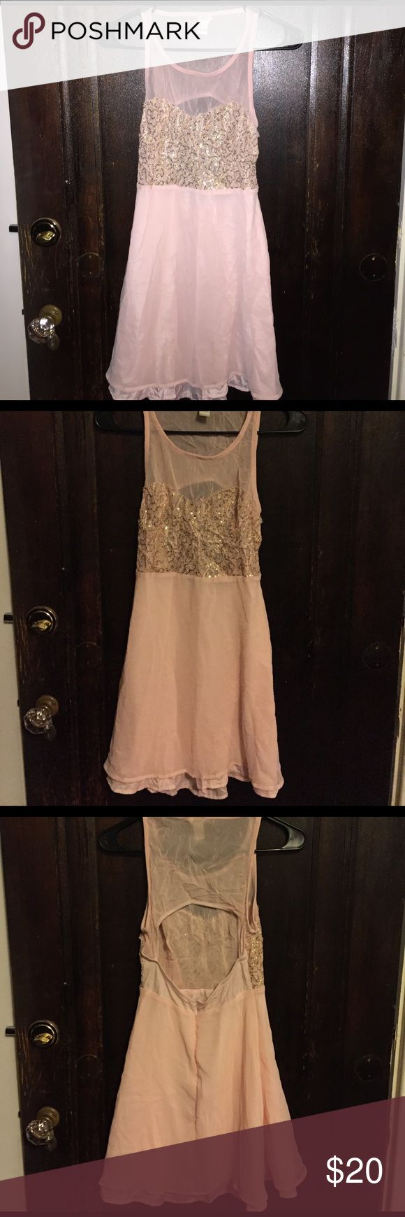Forever 21 Blush pink Sequined Dress Blush pink dress from forever 21. Mesh back that has open area. Mildly flowy skirt. Forever 21 Dresses