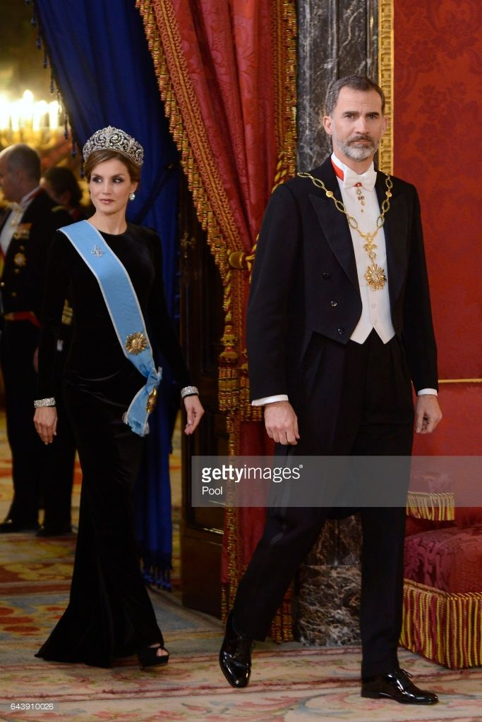 King Felipe VI of Spain (L) and Queen Letizia of Spain (2L) receive Argentina's President Mauricio Macri (R) and wife Juliana Awada (2R) for an Gala Dinner at the Royal Palace on February 22, 2017 in Madrid, Spain.