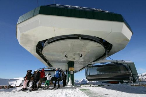 Non solo in Italia, ma anche in Francia le stazioni sciistiche si stanno preparando alla nuova stagione invernale con diverse novità.