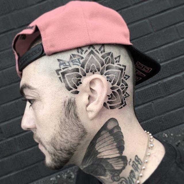 Tatuajes De Mandalas Para Hombres Con Disenos Increibles Tatuagens Geometricas Ideias De Tatuagens Tatuagem