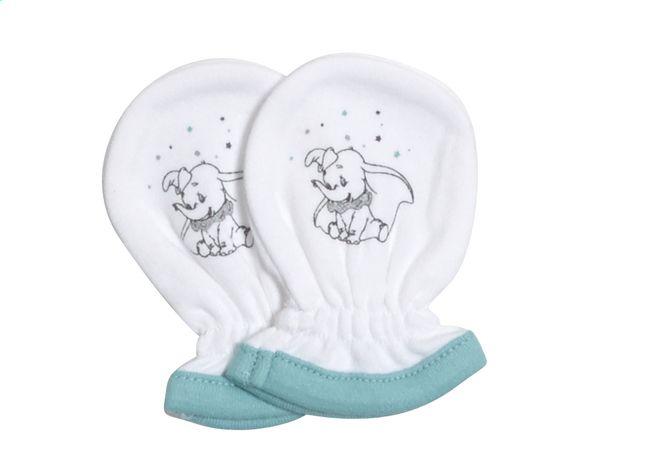 Dumbo beschermt het gezichtje van je pasgeboren baby tegen zijn eigen krabgrage handjes dankzij deze antikrabwantjes.