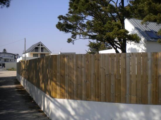 palissade verticale sur muret | Déco | Muji home, Wood et Outdoor