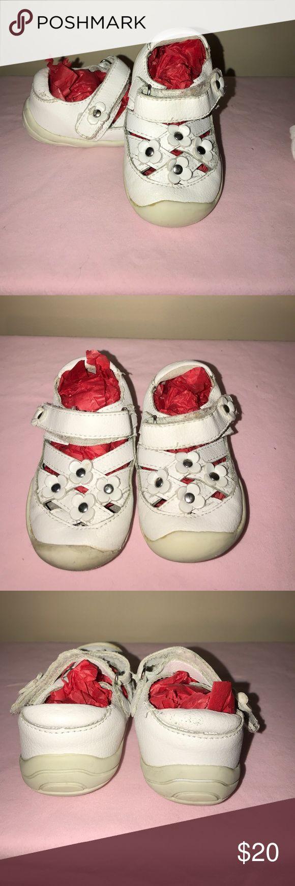 Toddler shoes/sandal. Pediped Sandal/shoe for toddler size 5. Super Comfy. pediped Shoes