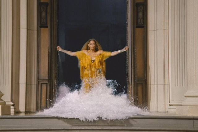 """This Is The Perfect Lemonade Song For Every Astrological Sign #refinery29  http://www.refinery29.com/2016/04/109419/beyonce-lemonade-songs-horoscope-signs#slide-3  GeminiYour song: """"Hold Up""""Simultaneously the happiest and most manic song on the album, this track shows Beyoncé really embracing her role as a woman scorned and all the conflicting emotions that go with it. As you may know, Geminis tend to be a bit unpredictable in the emo..."""