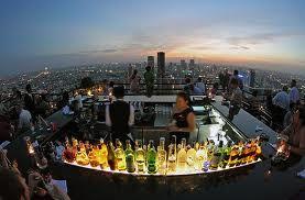 Cocktailbar op het dak. Lekker ontspannen met een fantastisch uitzicht