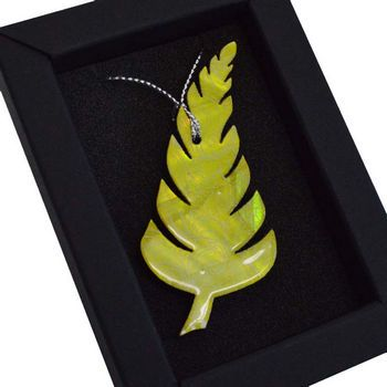 New Zealand Mother of Pearl Pastel Fern Christmas Decoration - http://www.silverfernz.com/2530-mother-of-pearl-pastel-fern-christmas-decoration.htm