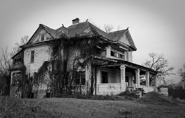 Abandoned mansion in Shreveport, LA.: Dreams Places, Diy Crafts, Abandoned Building, Haunted Places, Beautiful Abandoned, Abandoned Beautiful, Diy Renovation, Abandoned Mansions, Abandoned Places