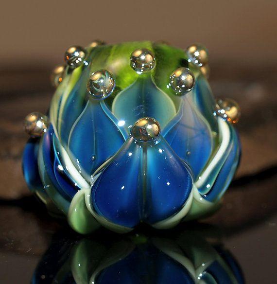 blue water lily bead  handmade glass bead SRA von Cornelia Lentze