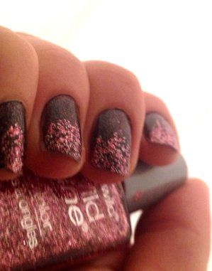 Pink and charcoal glitter nails #nailart