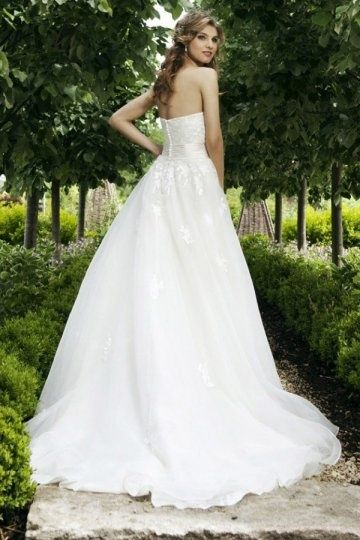 #Top 10 garden wedding online# Romantic spring weddings are coming! What are…