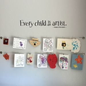 Display kids' artwork in playroom by brittney Love this idea from indulgy