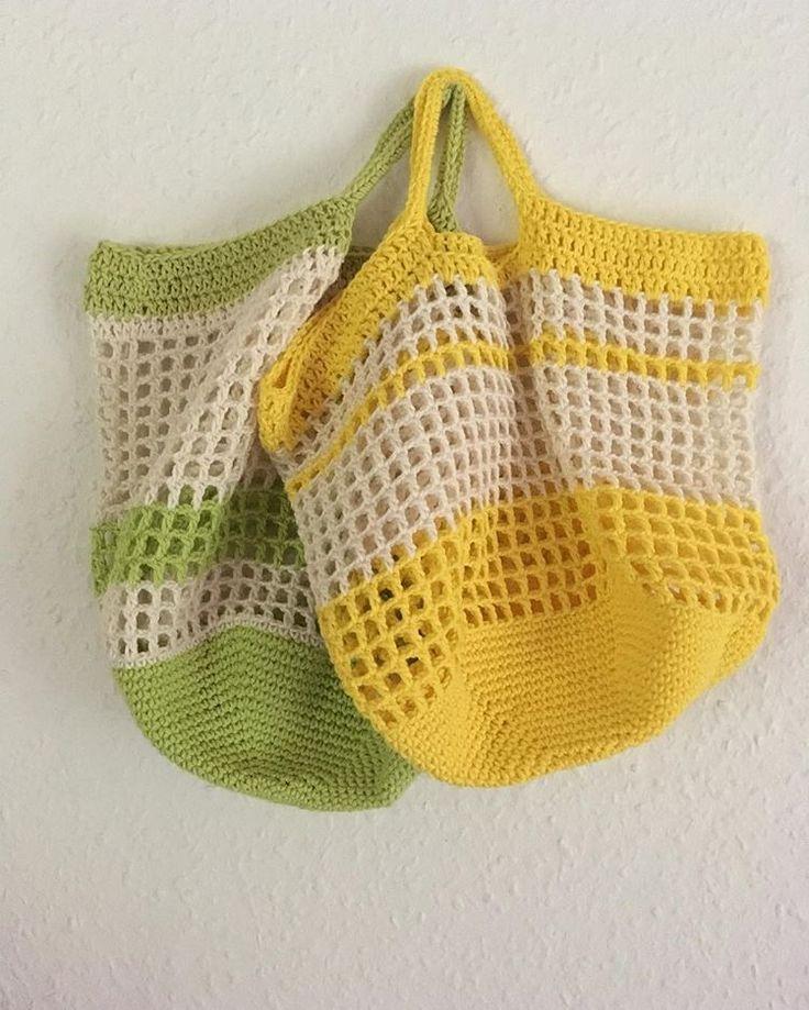 Og der var 2 hæklede net til 10 stykker frugt i supermarkedet. Det forreste har jeg foræret til hende der fik ideen @libbiem (se tidligere opslag ) Har du brug for et, så skriv en kommentar, og jeg hækler et til dig. Du behøver ikke tagge nogen, du skal bare følge mig. Jeg trækker en vinder fredag d. 29/9 #sparpåplastik #frugtpose #hækletfrugtpose #genbrugspose #miljøvenlig #plastfri #genbrug #filethækling #filetcrochet #bomuldsgarn #hækle #crochet #astridhækler2017