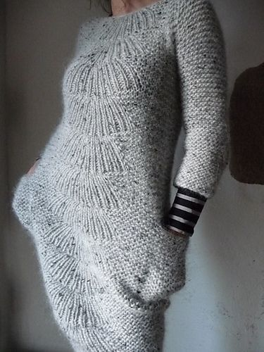 ...cochenille's - Be a Pizzly -, a dress interpretation of the Camilla Pullover by Carrie Bostick Hoge...