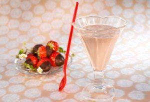 Bilde av Sjokolade- og jordbærsmoothie.