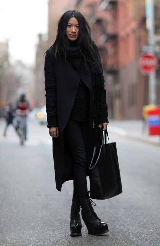 via Street PeeperStreet Fashion, All Black, Helmut Lang, Street Style, Totes Bags, Platform Boots, New York, J Brand
