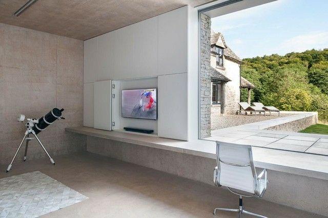 modernes Wohnzimmer Fernseherschrank weiß mattiert