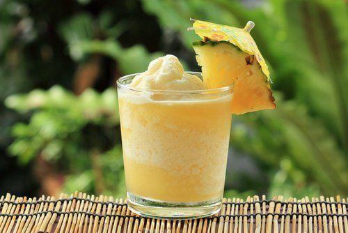 Koktajl-ananasowy