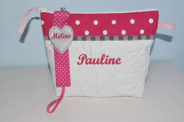 Box cadeau:Trousse de toilette+attache-tétine/sucette enfant ou bébé pois rose fushia personnalisée brodée