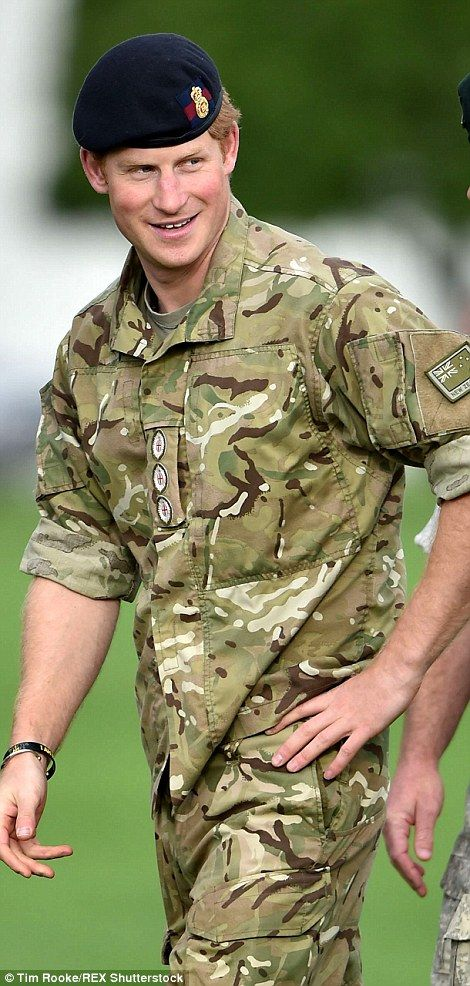 Prince Harry tries traditional Maori war dance with New Zealand troops | Daily Mail Online