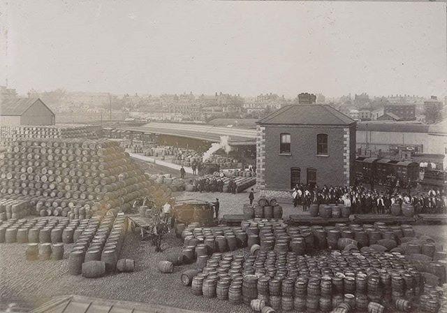 The Guinness Brewery in Dublin, Ireland, 1910 .. #history #viralnetics #guinness #ireland #beer