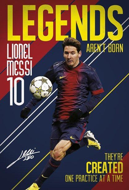 Superflot fotostat med Lionel Messi -  et sikkert hit til alle fodboldglade piger og drenge. Pris kr. 499,00 Fotostaten kommer i 2 dele B. 158 cm x H. 232 cm